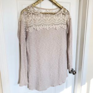 Vanilla Bay Cream and Lace Sweater Large
